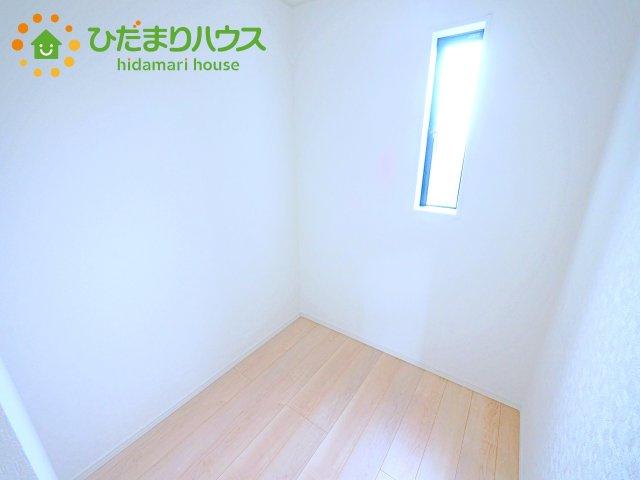 大きなベッドを置いても余裕の広さの主寝室♪♪
