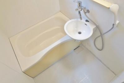 【浴室】ドエル川口