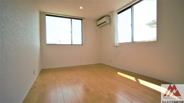 ウォークインクローゼットがあるとお部屋を広く利用できます。