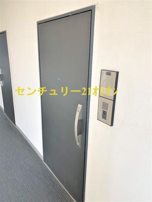 【玄関】emilive(エミリブ)練馬