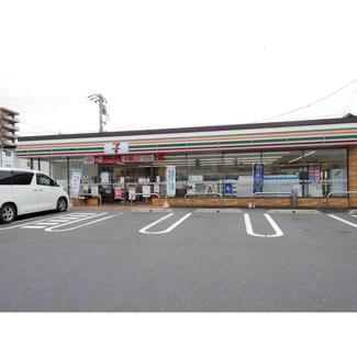 コンビニ「セブンイレブン松本木工町店まで821m」