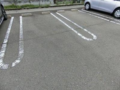 【駐車場】アイリス