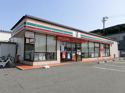セブンイレブン大垣割田3丁目店まで450m