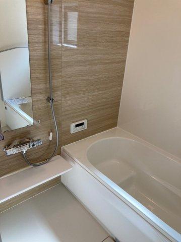 【浴室】ブルーミングガーデン南区柏原1丁目2号棟 4LDK