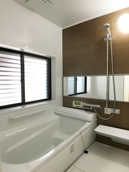 【浴室】和白5丁目戸建て