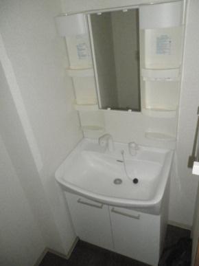 独立洗面台