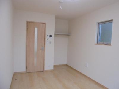 清潔感のあるフローリングのお部屋です
