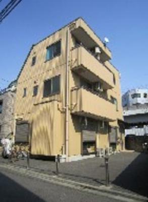 京浜急行線「平和島」駅より徒歩4分の駅近マンションです
