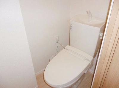 スペースに余裕があるので小さな棚なども置けます