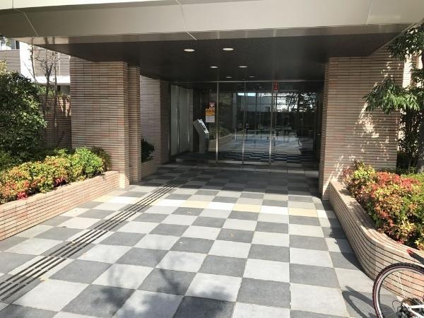 【エントランス】リーデンススクエア谷塚