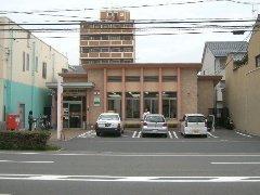福山バラ公園前郵便局まで850m
