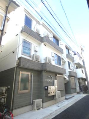 京浜急行線「雑色」駅より徒歩7分のアパートです