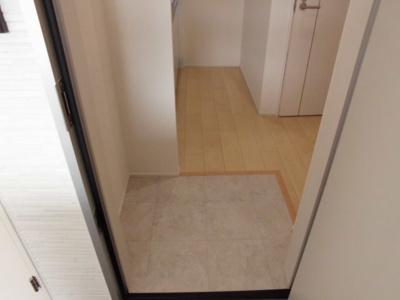 【玄関】フォーリーブス33 B棟