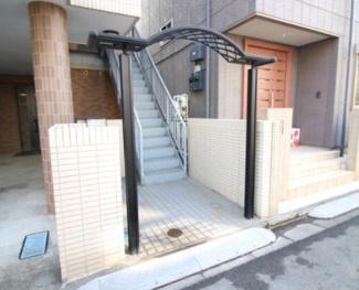 【エントランス】《満室高稼働中》川崎市幸区古市場1丁目一棟マンション