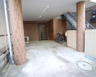 【駐車場】《満室高稼働中》川崎市幸区古市場1丁目一棟マンション