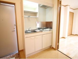 【キッチン】《満室高稼働中》川崎市幸区古市場1丁目一棟マンション