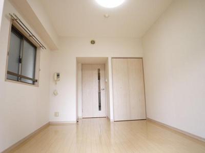 「2面採光のお部屋です」