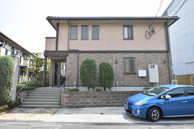 尼崎市金楽寺町2丁目にございます。