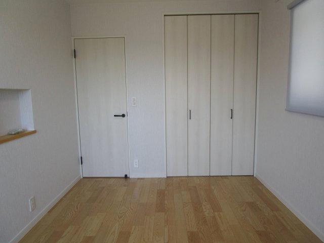 2F南東側洋室