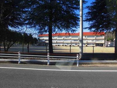 坂西中学校まで1200m