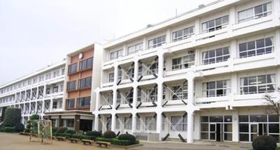 下稲吉中学校区域。