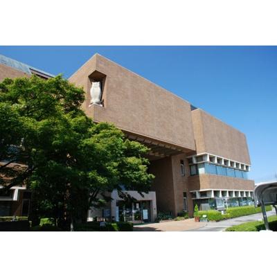 図書館「戸田市立図書館まで522m」