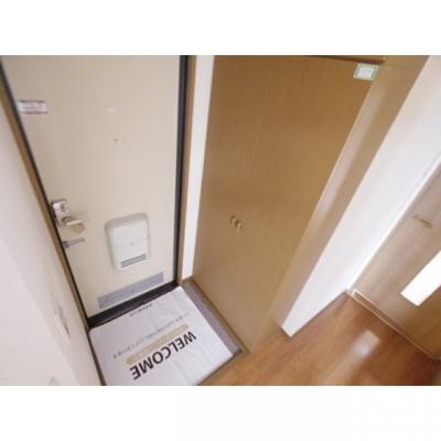 【玄関】ウインドコート B棟