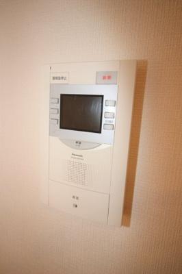 モニター付きインターホンで防犯対策もバッチリです。