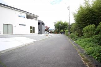 【前面道路含む現地写真】富士市北松野第2 新築戸建 全2棟 (1号棟)