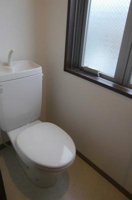 「窓のあるトイレ」