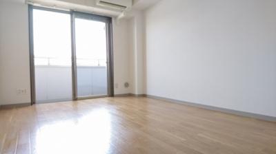 「洋室8.8帖のお部屋です」