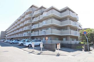 【サンロイヤル武庫川東】地上6階建 総戸数85戸 ご紹介のお部屋は4階部分の角部屋です♪