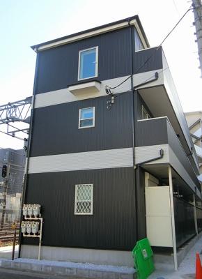 「新子安」駅徒歩圏内の新築賃貸アパート。