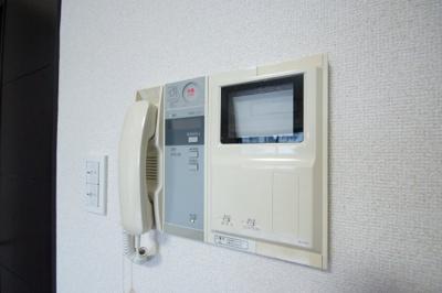 来訪者が確認でできて安心の「TVモニターホン」