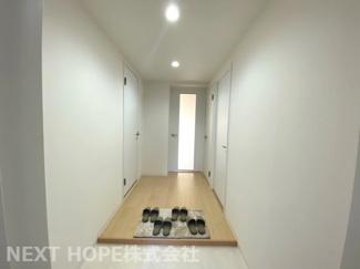 スッキリとした玄関です♪室内は令和3年9月下旬リフォーム完成しております(^^)ぜひ現地をご覧ください!お気軽にネクストホープ不動産販売までお問合せを!