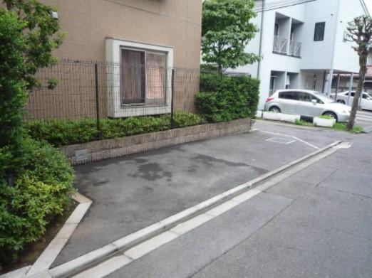 【駐車場】ガーデン中野