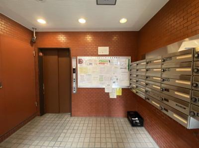 エレベーターホール 集合ポスト