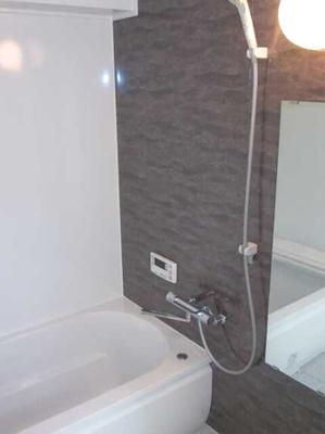 【浴室】三軒茶屋グリーンマンション フルリフォーム済 2人入居可 追炊き 独立洗面台