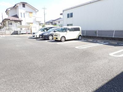 【駐車場】オリエンタル・ヴィラ