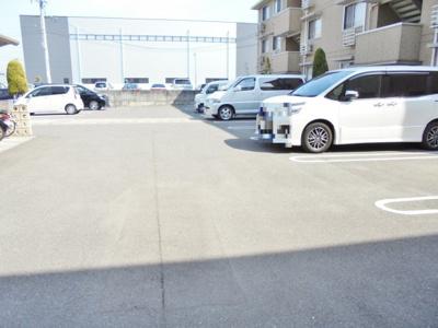 【駐車場】クリスタルガーデンV