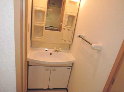 【洗面所】KYKガーデンホームズ若林 独立洗面台 バストイレ別 オートロック