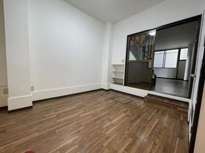 洋室とホールのお写真です。