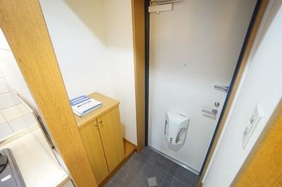 【玄関】セレスタイト黒崎