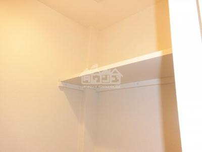 トイレの上棚・ヴィラ市谷台町