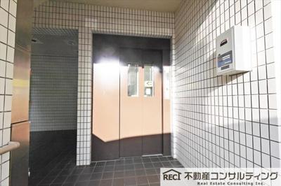 【玄関】サンシャイン岡本
