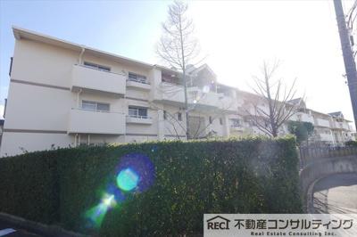 【居間・リビング】コンフォール学園緑ヶ丘第1 6号棟
