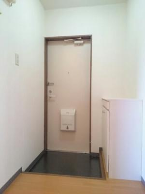 【玄関】チェリーヒルズA
