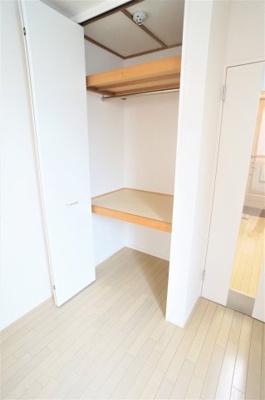 大きなスペースがあり、収納には困りません※別部屋の写真です