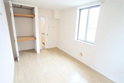使い勝手のいい洋室です※別部屋の写真です