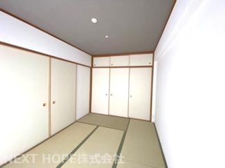 和室6帖です♪フスマをオープンにしていただくと、リビングからの広がる空間を確保できます!お客様部屋として・小さなお子様の遊びスペースとして色々活躍してくれます!